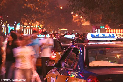 taxi_peking_taxis.jpg